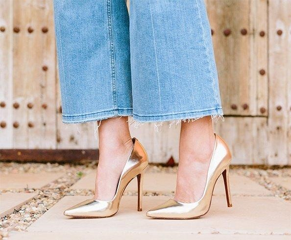How To Match Golden Shoes Informal