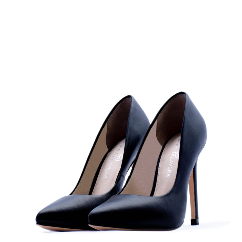Black pointed toe black heels for men and women