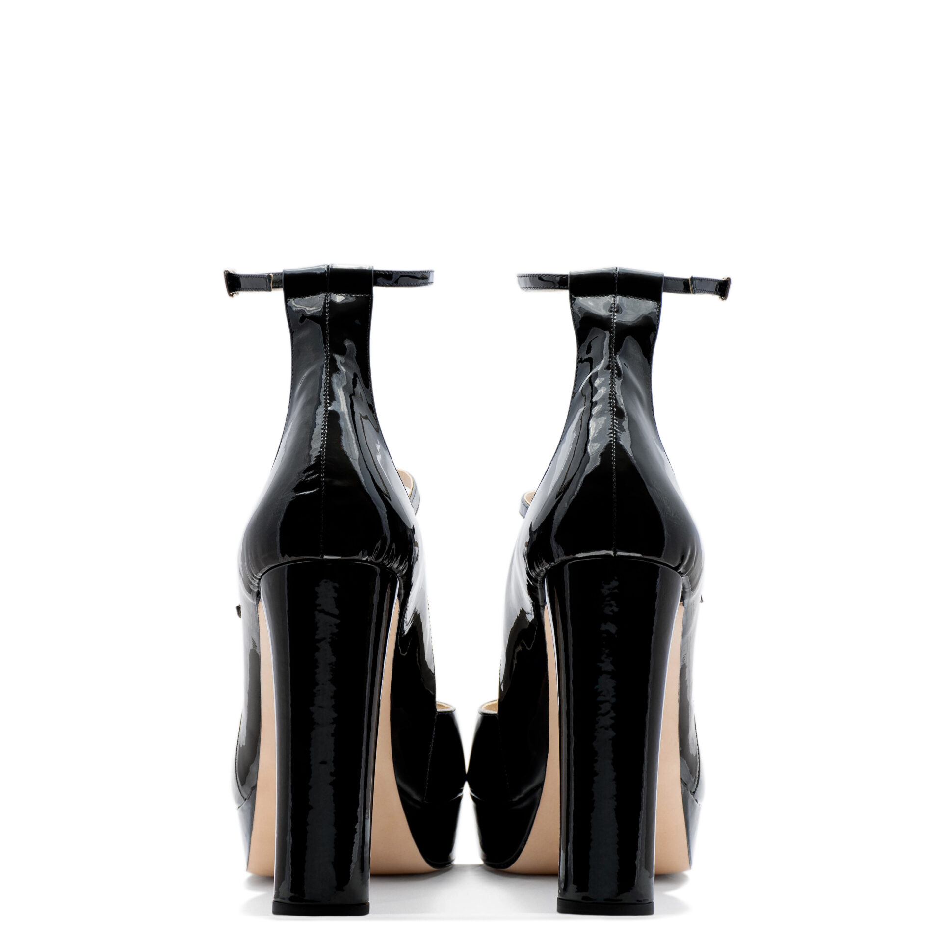 Chunky heel strappy pump for men and women