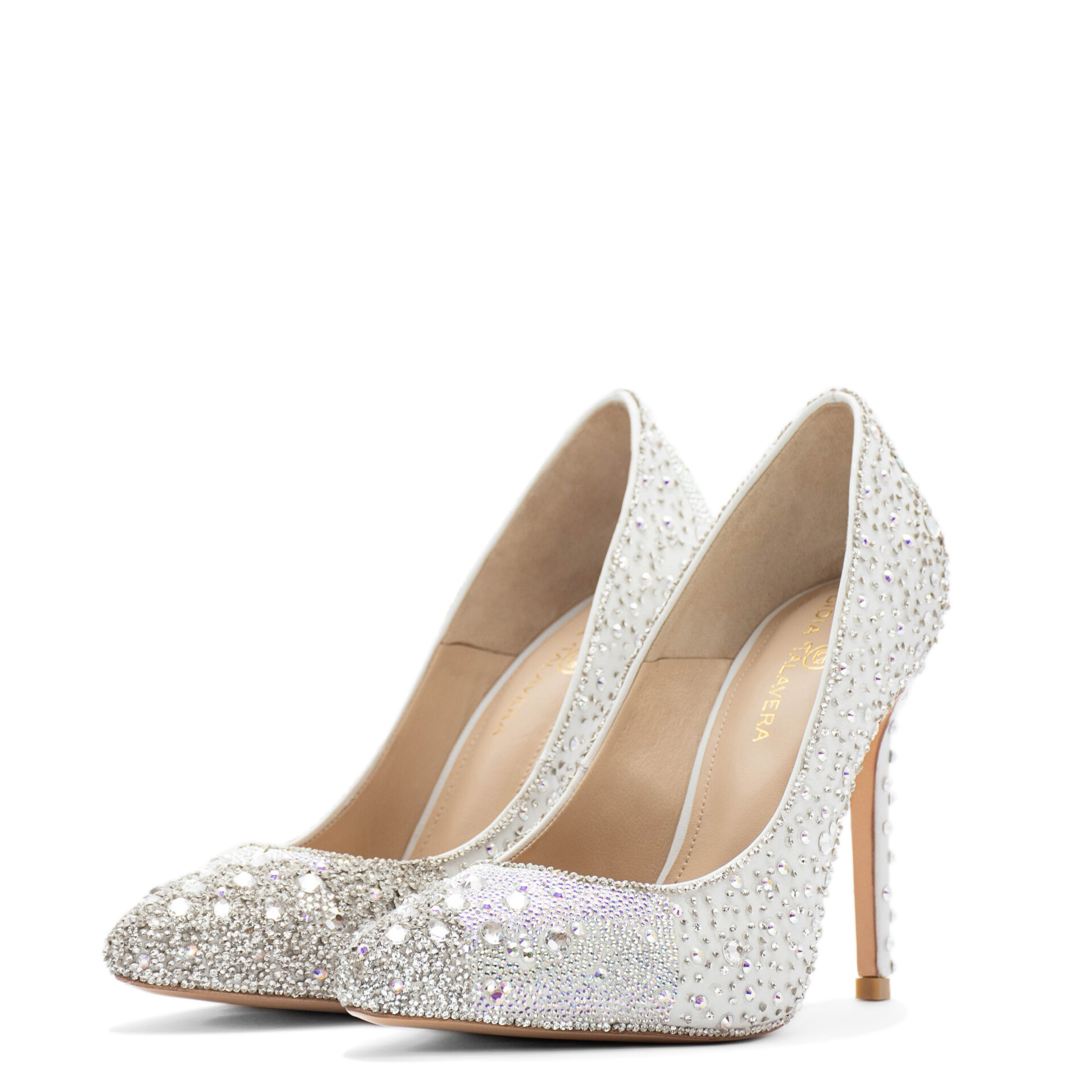 Bride pointed toe shoes with crystals
