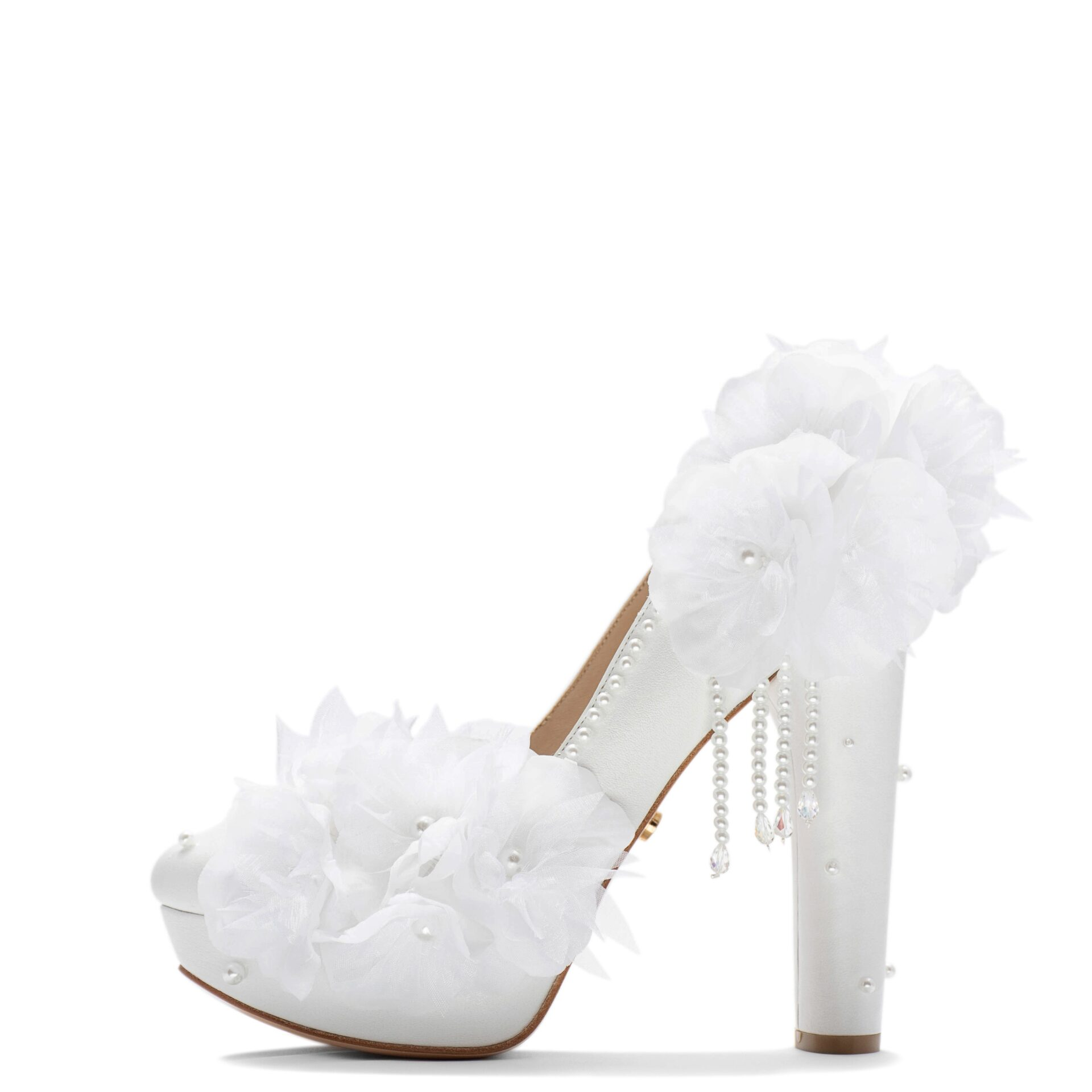 Round Toe platform pump with flowers and peals