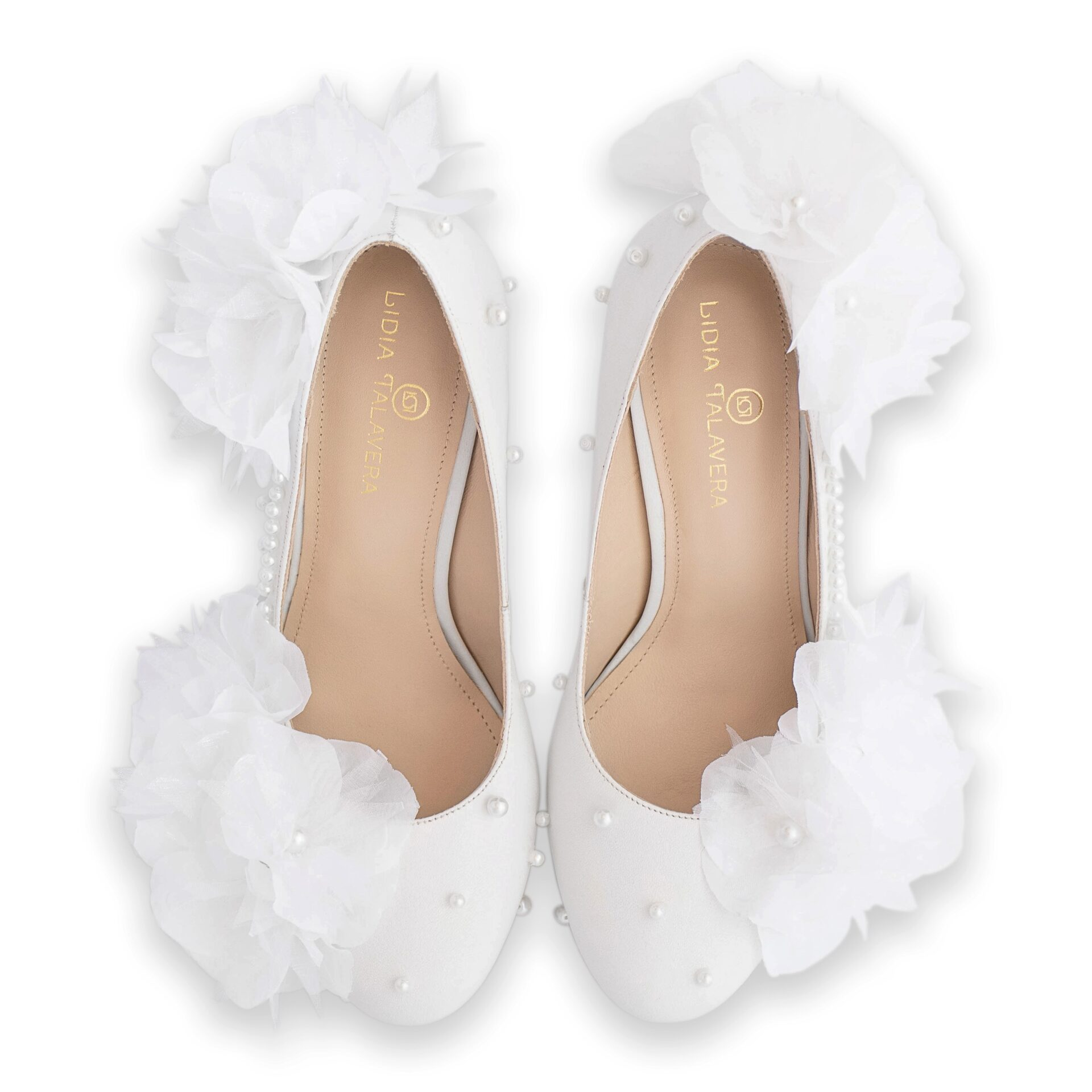 Bride platform pump with flowers and pearls